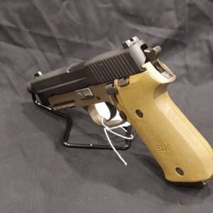 Pre-Owned – Sig 220 G414494 45 AUTO Firearms