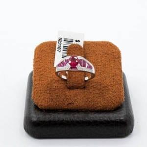 Diamond & Gold Ruby Ring 3.55 Grams – 1.51 Carat Ruby 0.13 Carat Jewelry