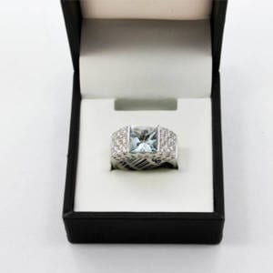 Aquamarine and Diamond Gold Ring 8.20 Grams - 2.14cts AQU 0.52ct Diamond