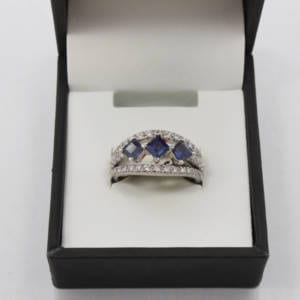 Diamond, Sapphire & Gold Ring (0.14 Carats/ SPH-0.92 Carats) Jewelry