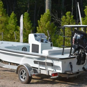 Xplor Boatworks – X18″ Skiff Boating