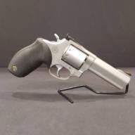 Pre-Owned – Taurus M992 Tracker .22LR Revolver Firearms