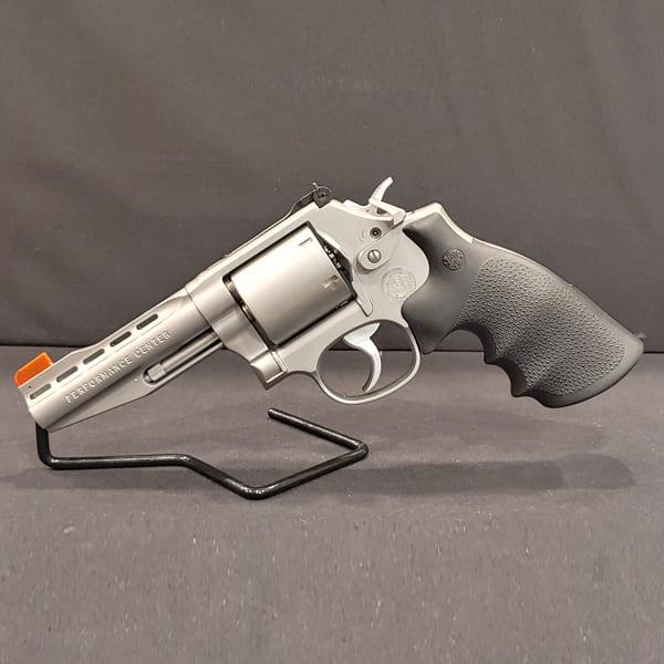 Pre-Owned – Smith & Wesson Performance Center Plus M686 .357 Mag. Revolver Handguns