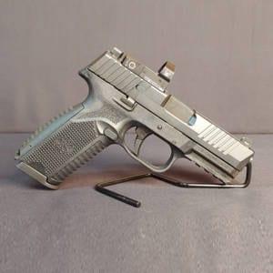Pre-Owned – FNH 509 9mm Handgun w/ Vortex Venom Sight Double Action