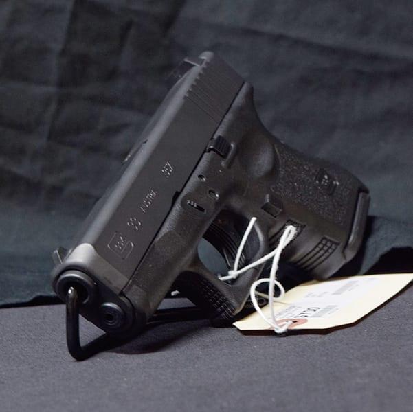 Pre-Owned – Glock G33 Semi-Auto .357 3.5″ Handgun Firearms