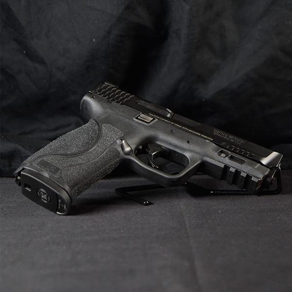 Pre-Owned – S&W M&P9 2.0 Semi-Auto .40 S&W 4″ Handgun Firearms